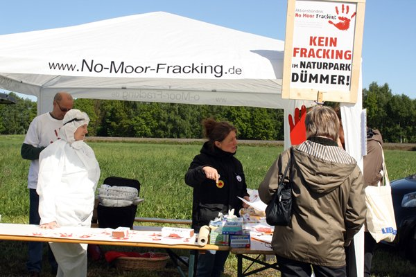 No-Moor-Fracking Stand